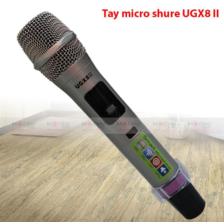tay-cam-micro-karaoke-shure-ugx8-ii-c-1